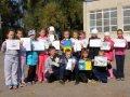 С праздником Покровы бойцов поздравили ученики 3-В (на фото) и 3-Г классов сумской школы №6, отправив на фронт свои рисунки.