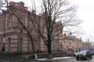 Здесь, на нынешней ул. Октябрьская, 2 находилась резиденция семейства Гриненко — алкогольных магнатов Сум.